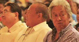 BEFORE THE FACE-OFF. Mayoral candidates Rufus Rodriguez, Oscar Moreno and Vicente Emano sit beside each other as they wait for their turn to debate before a crowd of about 4,000 at the Atrium of Limketkai mall on Thursday night. (PHOTO BY NITZ ARANCON)
