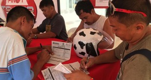 Drivers sign up during the Pinoy Tsuper Hero 2016 nomination caravan on April 14 to 15, 2016 at Phoenix Bulua station in Cagayan de Oro City. (Photo courtesy of Pinoy Tsuper Hero Facebook Page)